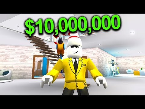 VISITING MY VERY FIRST BLOXBURG MANSION! *$10,000,000*
