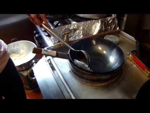 Mandarin Quick Tip - How do I season my wok?