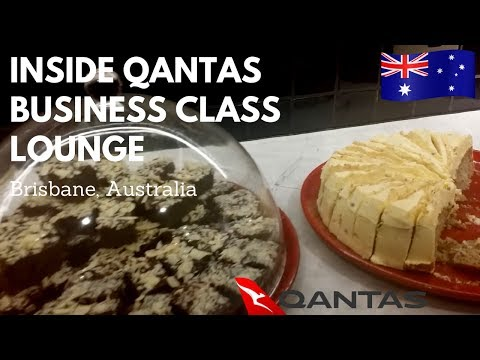 Lunch at Qantas business class lounge in Brisbane