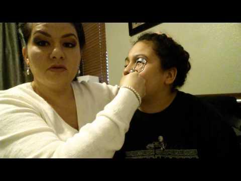 Make your eyelashes appear thick. No mascara