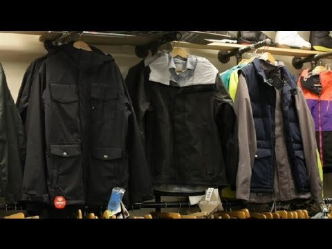 How Is a Snowboard Jacket Supposed to Fit? : Snowboard Maintenance