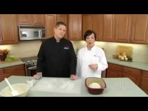 video Deep Covered Baker No Knead Bread