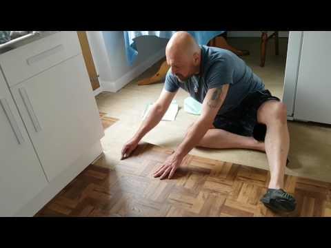 Edging your peel-and-stick vinyl tile floor