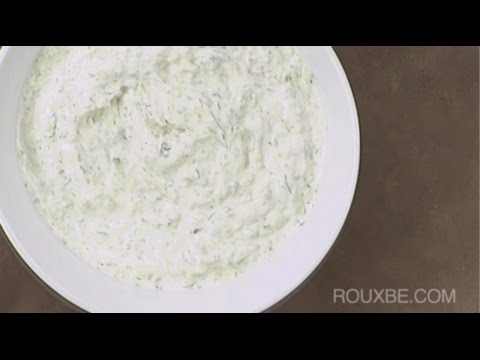 How to Make Tzatziki Sauce (Greek yogurt dip)