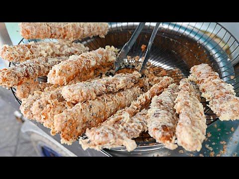 Cambodian Street Food - BANANA FRITTERS Phnom Penh Cambodia