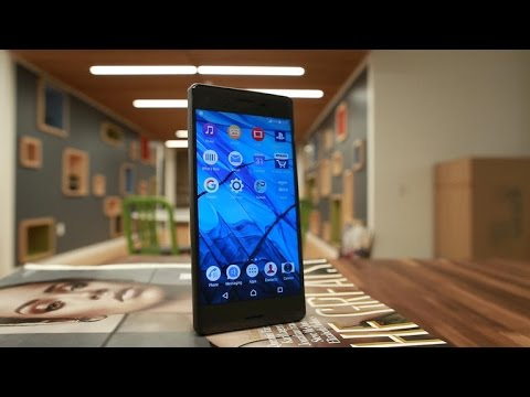 Sony Xperia X phone is boxy, but nice