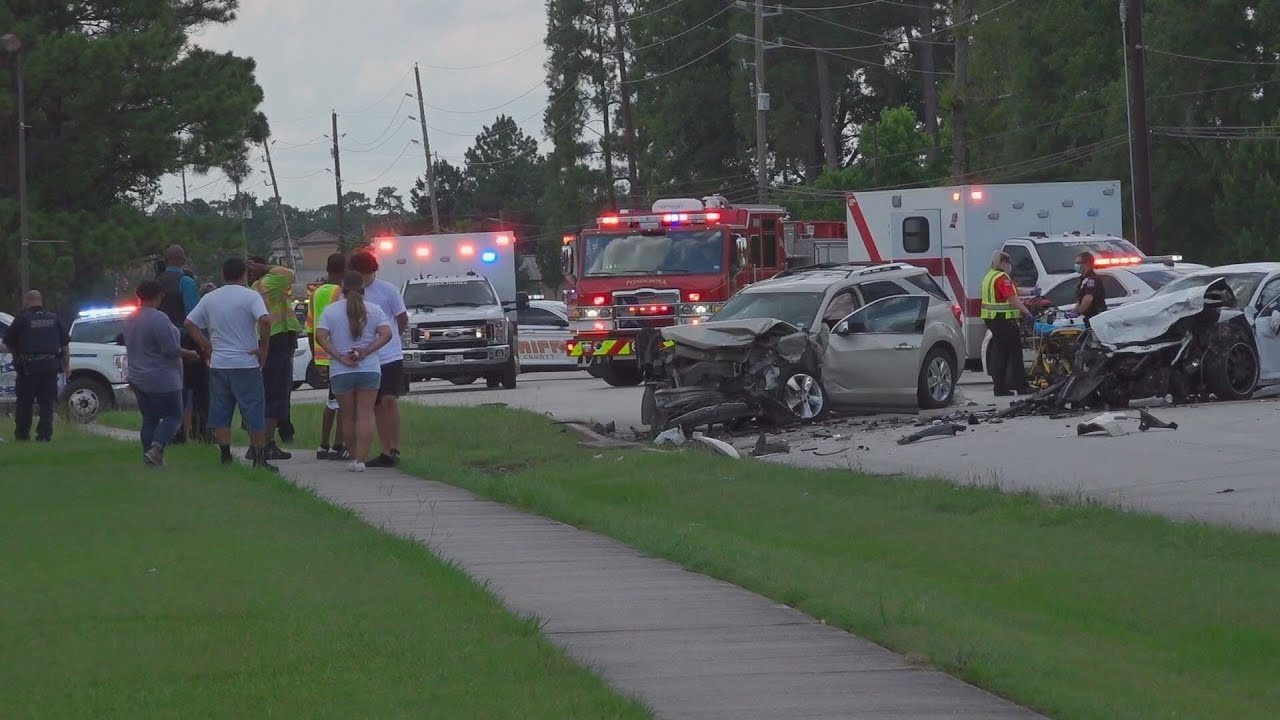 Mother Dies in Crash, Daughter and Other Driver in Critical Condition