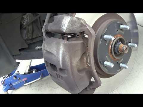 Front brakes 2007 Toyota Highlander