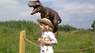 Dinosaurs scare son, amuse dad