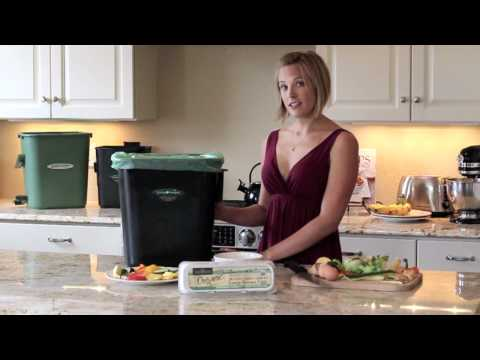 Kitchen Composting Made Easy - Demonstrating The CompoKeeper