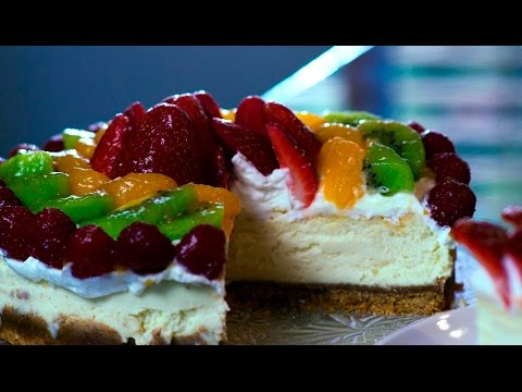 New York Cheesecake Recipe with Fruit and Whip Cream