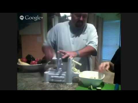 Spiralizer Spiral vegetable slicer making vegetable pasta