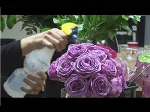 Bridal Bouquet Ideas : How to Keep Wedding Bouquets Fresh in the Heat