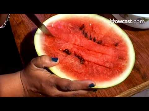 How to Carve a Watermelon without Making a Mess