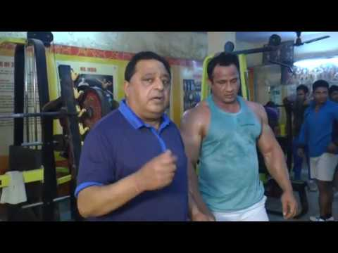 Advance level training of biceps and triceps.