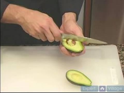 How To Prepare Vegetables : Cut & Slice an Avocado