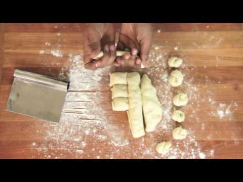 How To Make Easy Garlic Knots