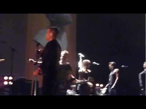 Robbie Williams - Rock DJ/ Freedom @ O2 Arena, Dublin - 14 sept 2012