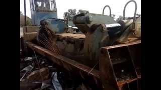 Merc W126 280SE crushed by Taurus Mizer Car Baler