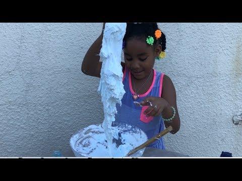 6 year old makes glitter glue Fluffy Slime