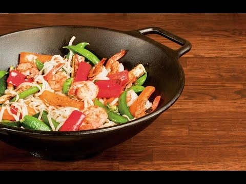Lodge Pro Logic P14W3 Cast Iron Wok, Black, 14 inch