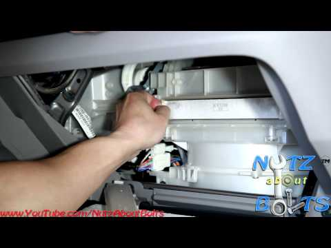 2010-2014 Honda Insight Cabin air filter remove and install