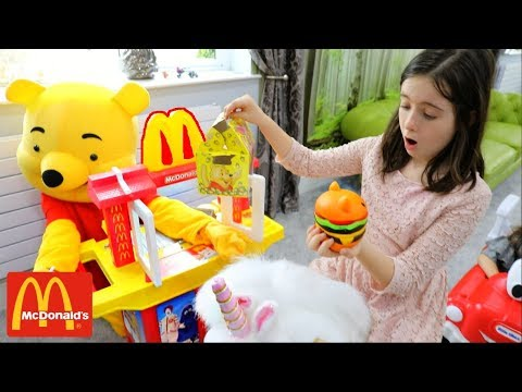 McDonald's with Winnie the Poh Pretend Play with Kitchen Toy Playset and Cozy Coupe