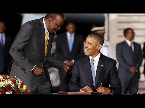Xxx Mp4 اوباما در کنار خواهر ناتنی و برای اولین بار بعنوان رئیس جمهوری آمریکا در کنیا 3gp Sex