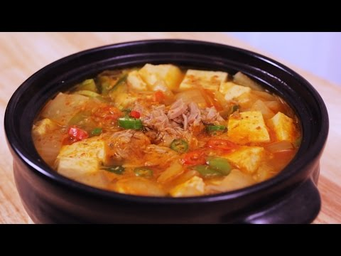 Red Chili Paste Stew with Tuna 참치 고추장찌개 - Crazy Korean Cooking EXPRESS