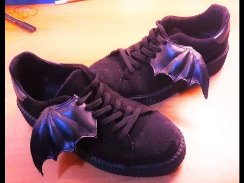 DIY HALLOWEEN SHOES, BATWING pastel goth style