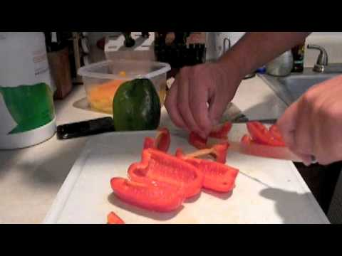 CUTCO MIKE COOKING-HOW TO CUT RED PEPPERS