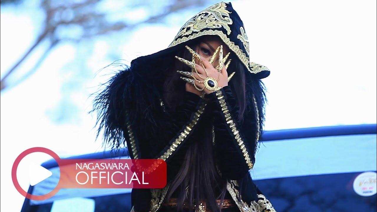 Download Fitri Carlina - Sandiworomu Luar Biasa ft. RPH (Official Music Video NAGASWARA) #music MP3 Gratis
