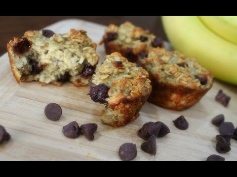 STAY FIT SUNDAY | BANANA CHOCOLATE CHIP MUFFINS