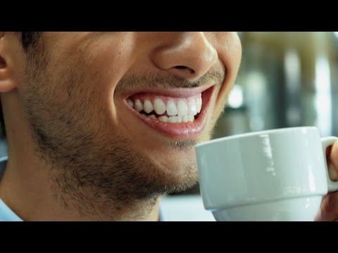 How to Remove Coffee Stains on Teeth