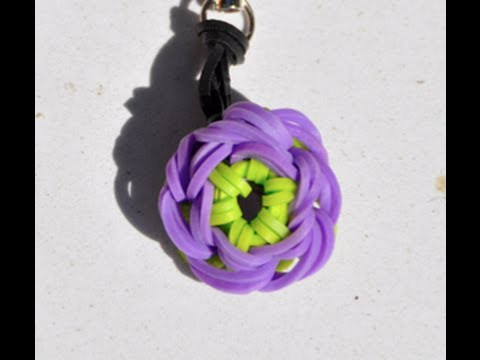 How to make a rubber band Key Ring  - Purple Periwinkle Flower with a Cra Z Loom
