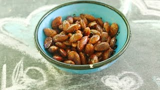 Healthy Vegan Snack Balsamic Herb Toasted Almonds