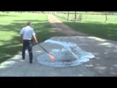 Micro-Blaze® Emergency Liquid Spill Control - E-85 Fuel Clean-up.wmv