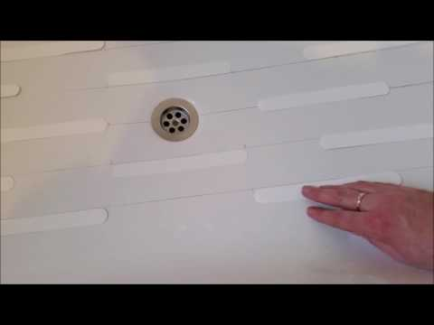 Applying non-slip bath stickers