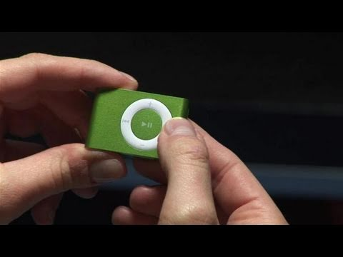 How To Use The iPod Shuffle Controls