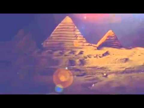 Giza pyramid miniature