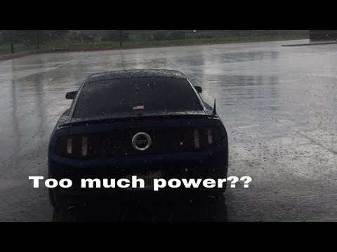 How does a mustang GT handle in the rain?