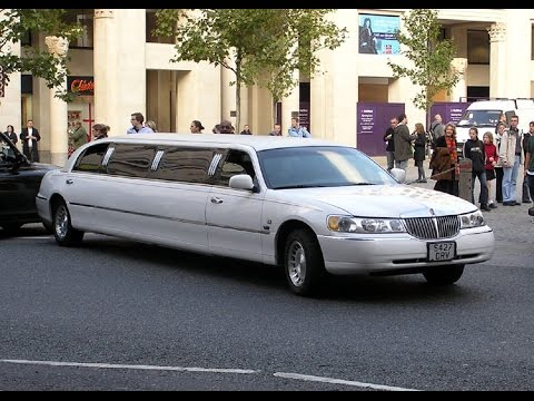 IS DRIVING A LIMO HARD? | How To Park A Limo