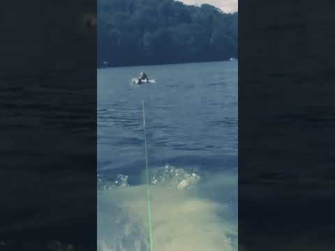 This is how NOT to waterski