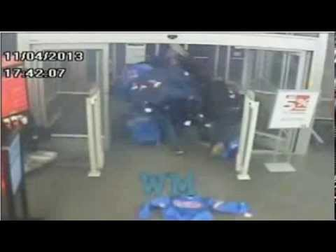 Chicago Flash Mob Gang Bum Rush 3 Sports Authority Stores Caught on surveillance