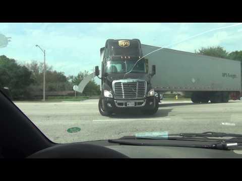 UPS Semi Truck Prefect U-Turn