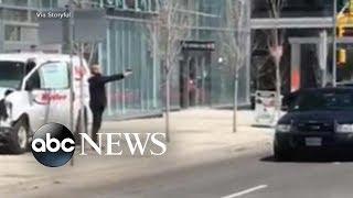 10 dead after van hits pedestrians in Toronto