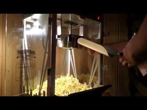 Movie Theater Popcorn Machine 8 Ounce!