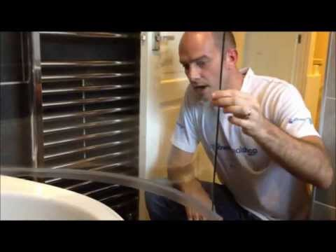 How to Fit Shower Seals to Curved Screens