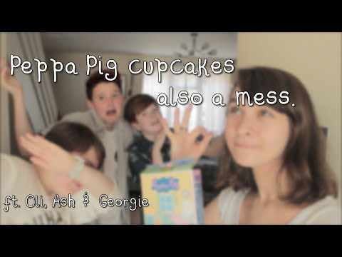 peppa pig cupcakes also a mess
