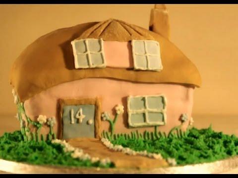 Timelapse: Making a 'House' Birthday Cake